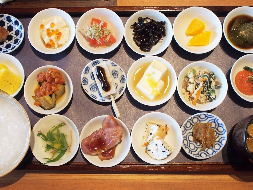 築地本願寺の朝食