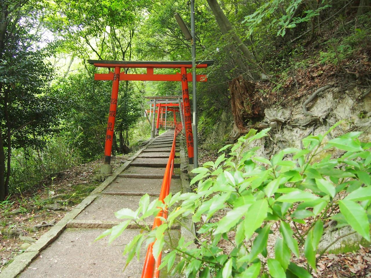 信貴山 空鉢堂 頂上への上り坂